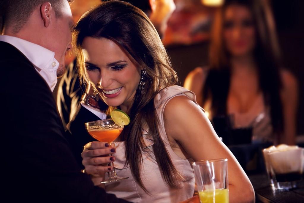 お酒と出会いは相性抜群 | バー・クラブ・相席居酒屋